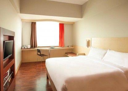 ibis Jakarta Mangga Dua Hotel and Apartment