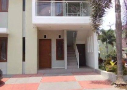 IB Villa by Vino House Teras