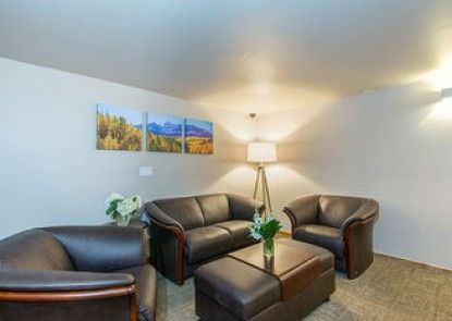 Ice House Suites and Condominiums