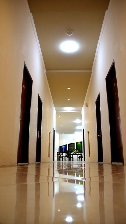 ILHAMI HOTEL BLITAR,Ponggok