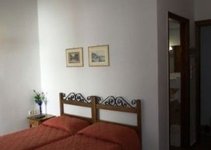 Iliada Rooms