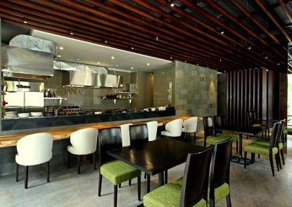 Watermark Hotel and Spa Jimbaran Restaurant Jepang