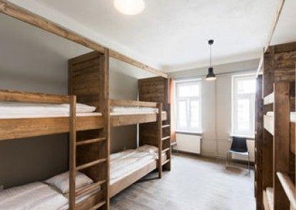 I\'M Easy Housing Hostel