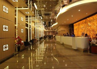LARIZ Wthree Lagaligo Makassar Lobby