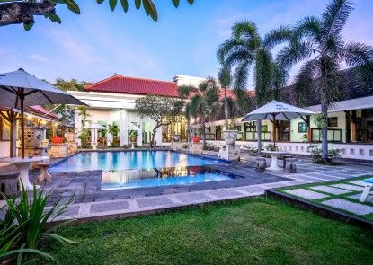 Inna Bali Heritage Hotel Kolam Renang