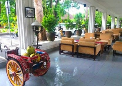 Inna Bali Heritage Hotel Pintu Masuk