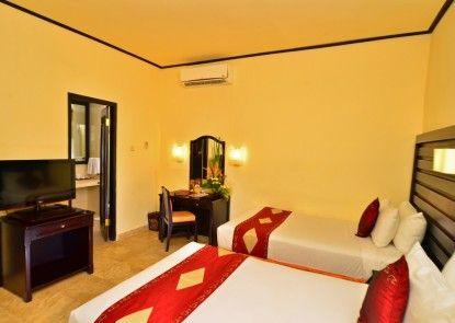 Inna Sindhu Beach Hotel Kamar Tamu