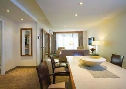 International Hotel and Spa Calgary