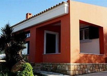 Irides Luxury Studios & Apartments