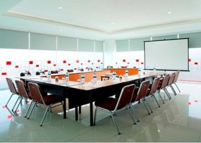 Amaris Tebet Ruangan Meeting