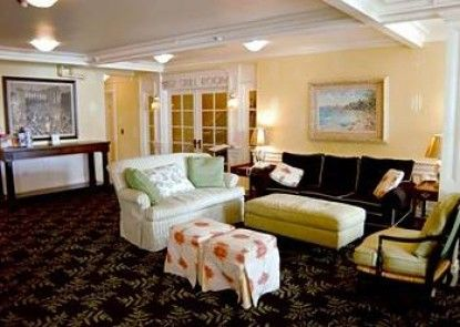 Island House Hotel Teras