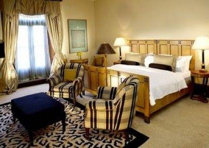 Islington Hotel