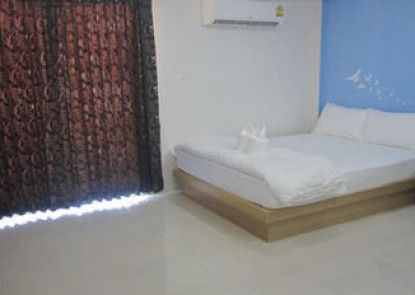Issara Na Nakhon Living Hotel