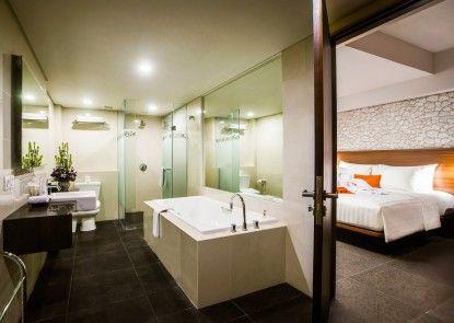 J4 Hotels Legian Kamar Mandi