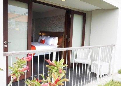 J4 Hotels Legian Teras