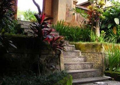 Jalan Jalan Villas & Spa Pintu Masuk