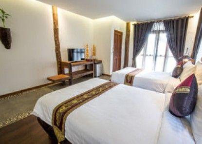 Java Wooden Villa by AIC
