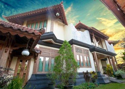Java Village Resort Vila