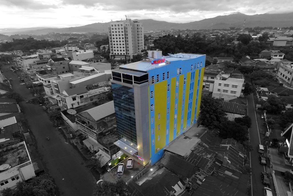 JLEs Hotel, Manado