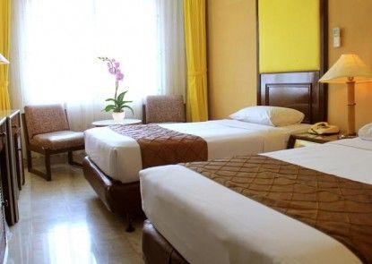 John\'s Pardede Internasional Hotel Kamar Tamu