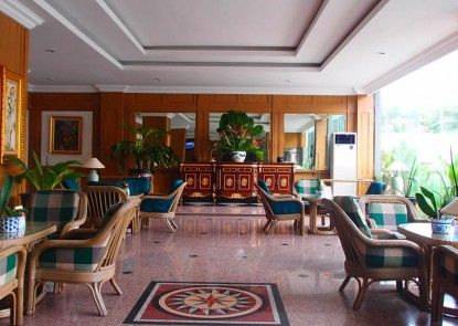 John\'s Pardede Internasional Hotel Lounge