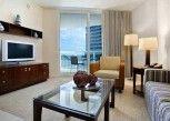 Pesan Kamar Suite Junior, 1 Tempat Tidur King, Akses Difabel, Pemandangan Samudra di Hilton Fort Lauderdale Beach Resort