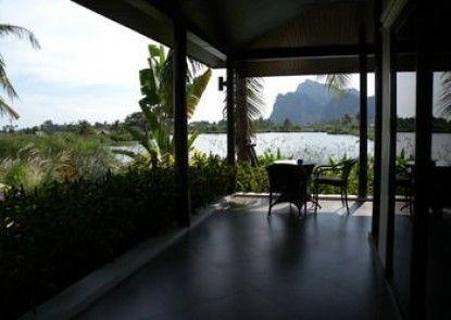Jurassic Mountain Resort & Fishing Park