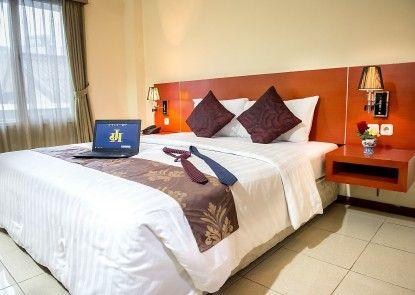 Jusenny Hotel