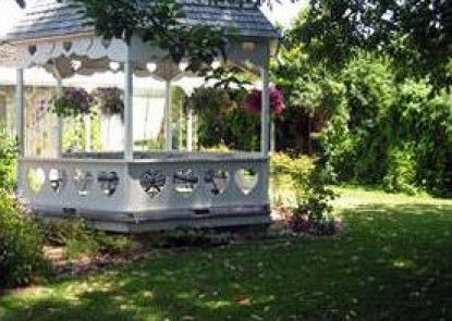 Kaleidoscope Inn & Gardens