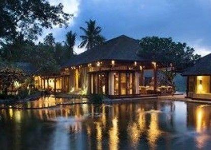 Kamaniiya River Villa