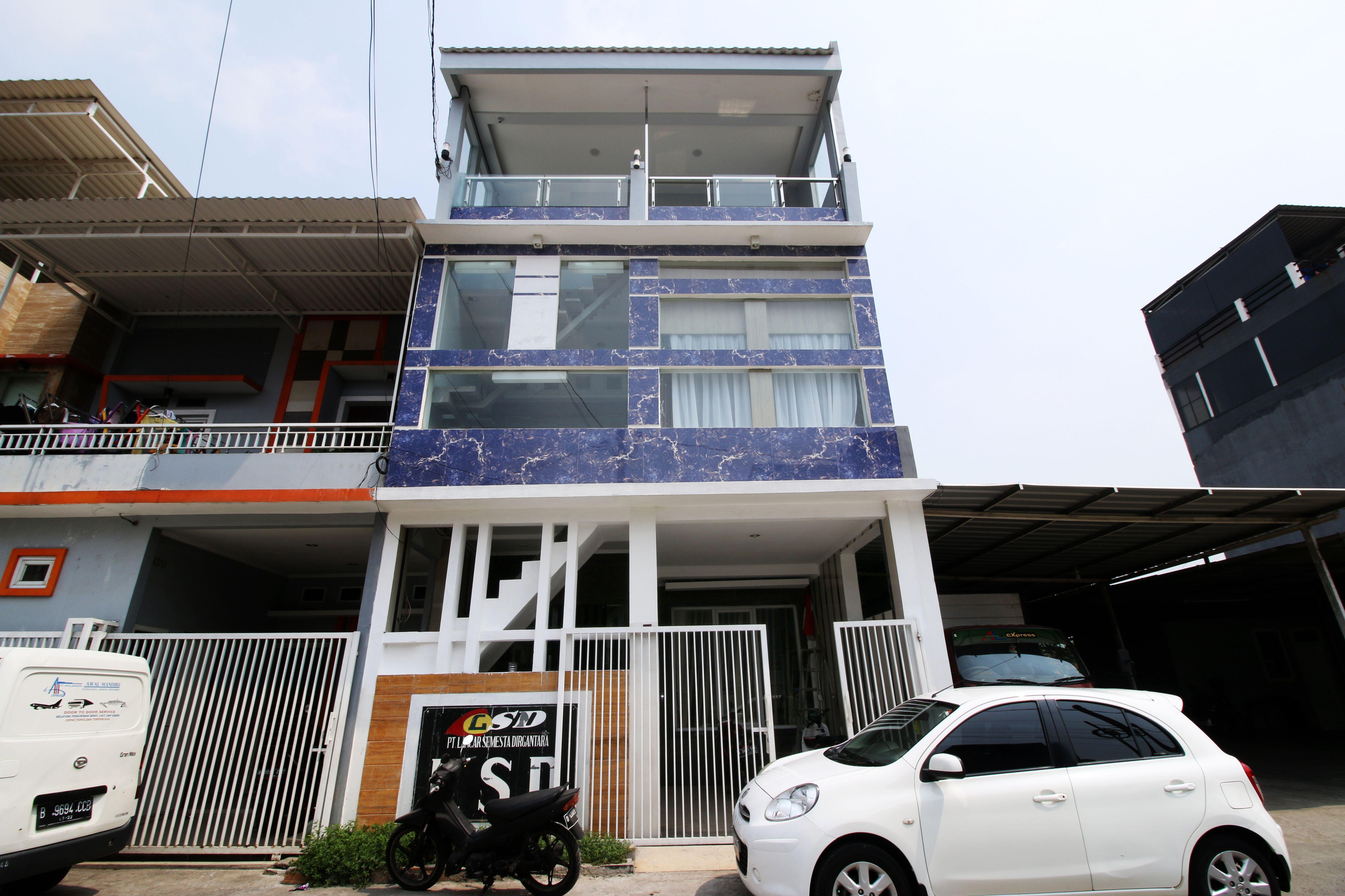 Kamar Keluarga Taman Mahkota Bandara Syariah VI, Jakarta Barat