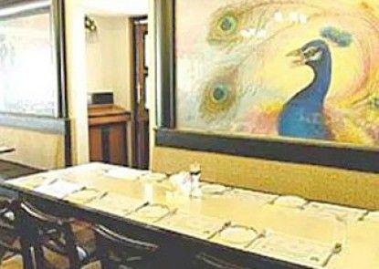 Kamat Lingapur Hotel