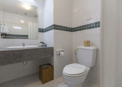 Kameo House Hotel and Serviced Apartments