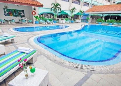 Kartika Chandra Hotel Kolam Renang