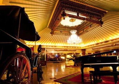 Kartika Chandra Hotel Lobby