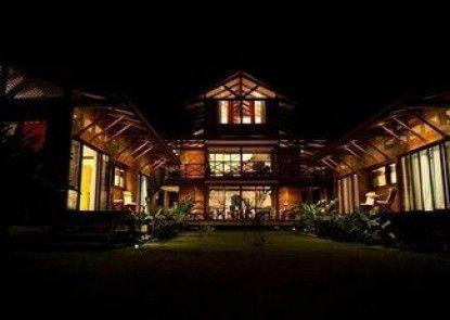 Kenaki Lodge