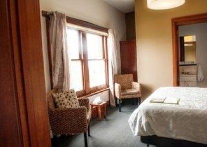 Kermandie Hotel & Marina