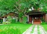 Pesan Kamar Vila, 4 Kamar Tidur, Pemandangan Kebun, Tepi Danau di Khum Nakorn Villa