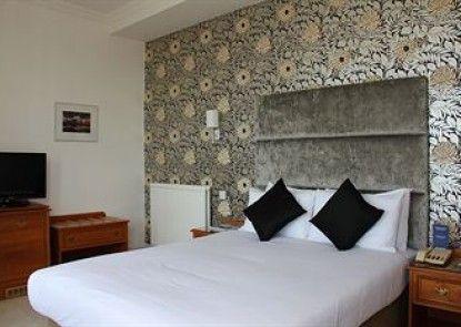Kings Hotel Teras