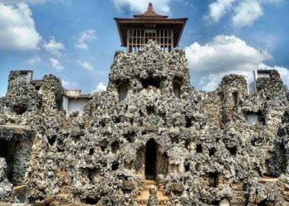 Koening Gallery Hotel Cirebon Objek Wisata Lokal
