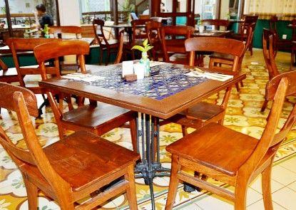 Koening Gallery Hotel Cirebon Kafe