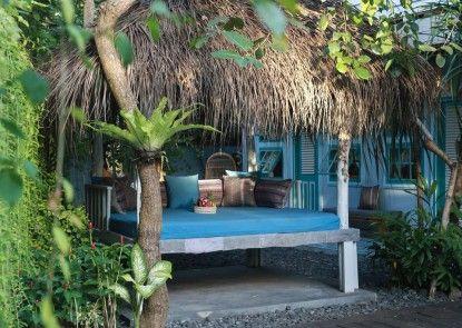 Kosta Hostel Seminyak Kolam Renang