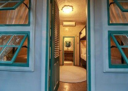 Kosta Hostel Seminyak Kamar Tamu