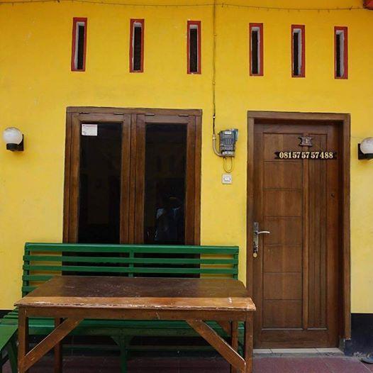 Kost Hotel Pekalongan (AC, TV, Kamar Mandi Dalam, Pemanas Air)