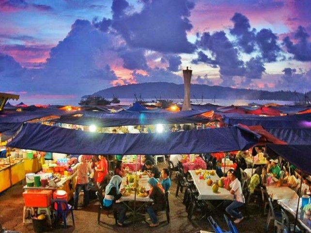 Kota Kinabalu City Night Tour with Traditional Ethnic Dinner