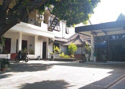 Kurnia Jaya Hotel Pintu Masuk