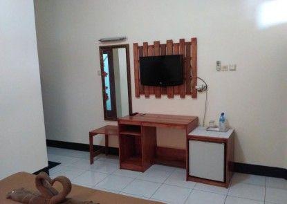 Kurnia Jaya Hotel Ruangan Suite