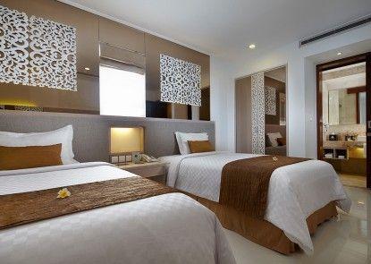 Kuta Angel Hotel - Luxurious Living Kamar Tamu