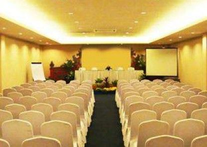 Kuta Station Hotel & Spa Ruangan Meeting