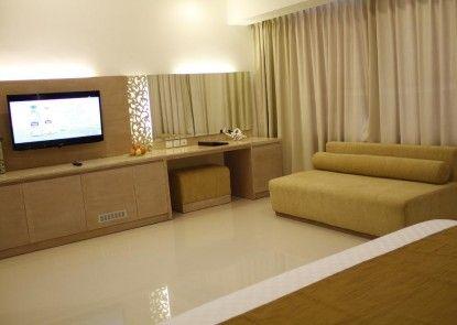 Kuta Angel Hotel - Luxurious Living Teras